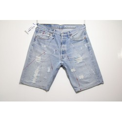 Short Levi's 501 Destroyed e Vernice Capo Unico N.289