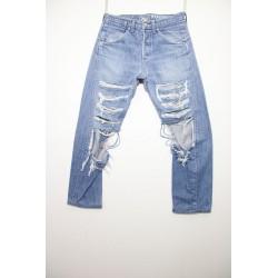 Levi's jeans engineered  destroy boyfriends